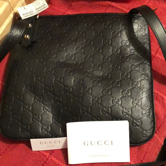 a7c7c3ad25adae Bags   Nwt Gucci Signature Leather Crossbody Bag   Poshmark